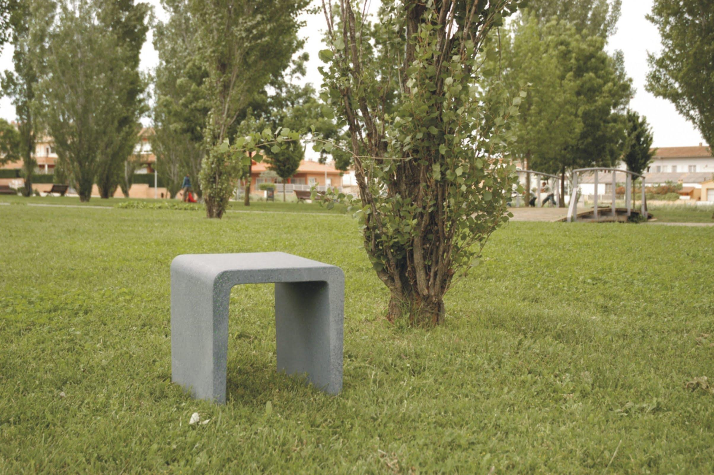 Cuadrado Cast Stone Seat